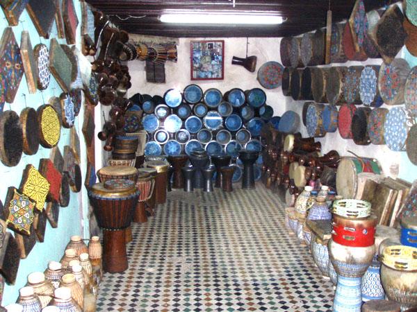 Ali Lajaj - Fabrication de Percussions et de Poterie - 3 Derb El Horra Talla Sghira - Fes Medina