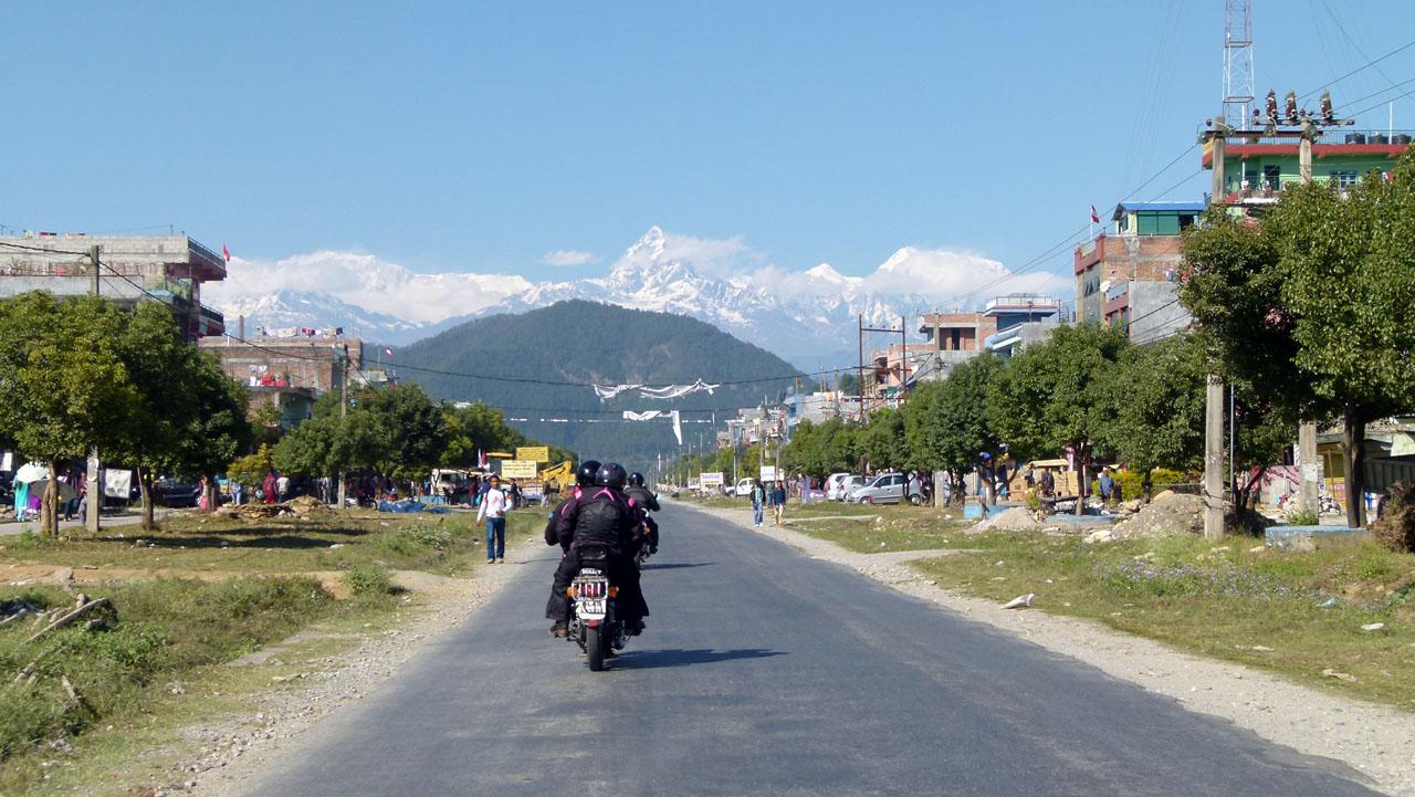 Nepal con una Royal Enfield