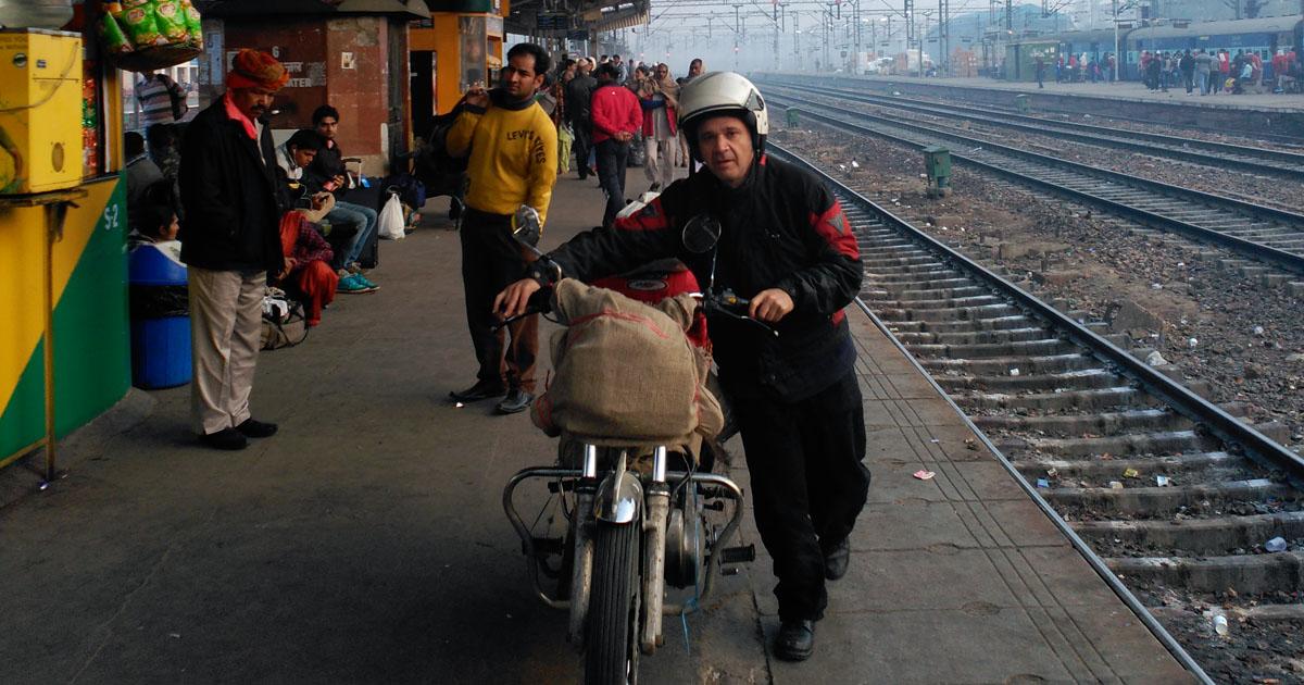 ¿Por qué viajar por India en motocicleta?