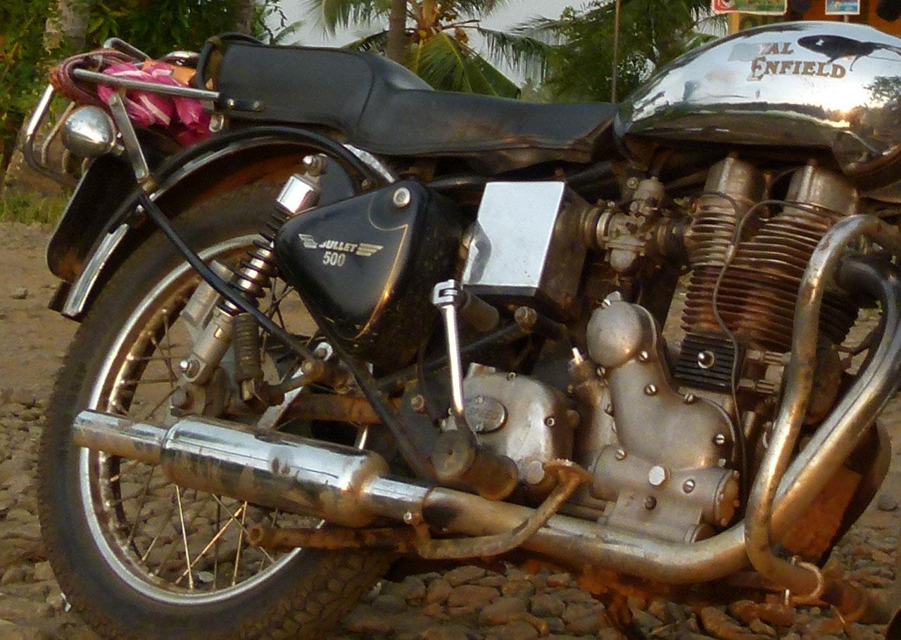 Viaje en motocicleta de palanca de arranque