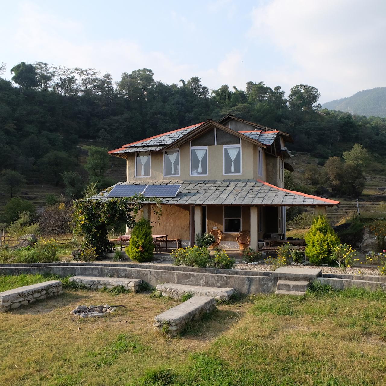 Earth House la casa rural sin cables en Palampur
