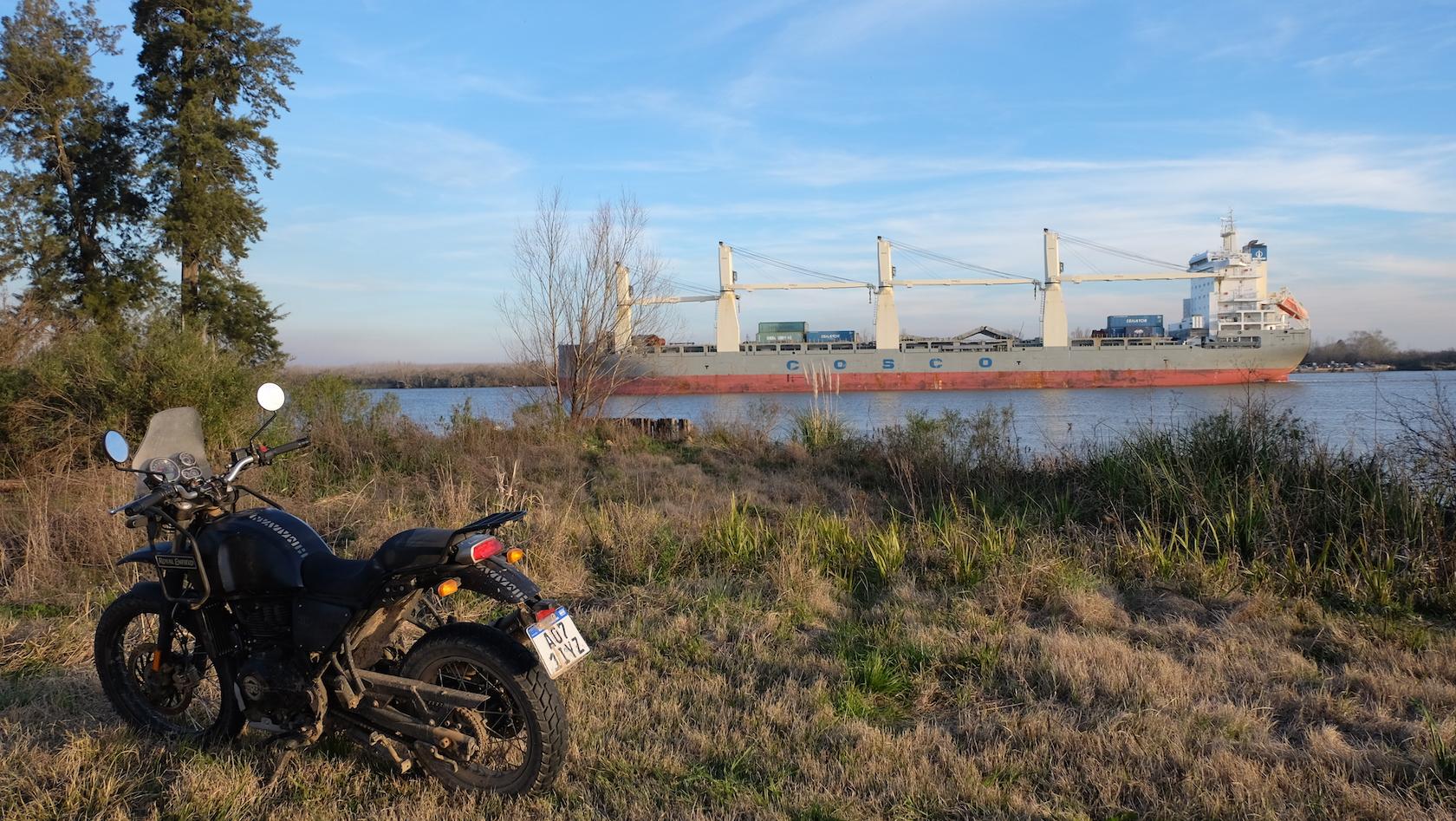 Delta en moto con Enduro Austral