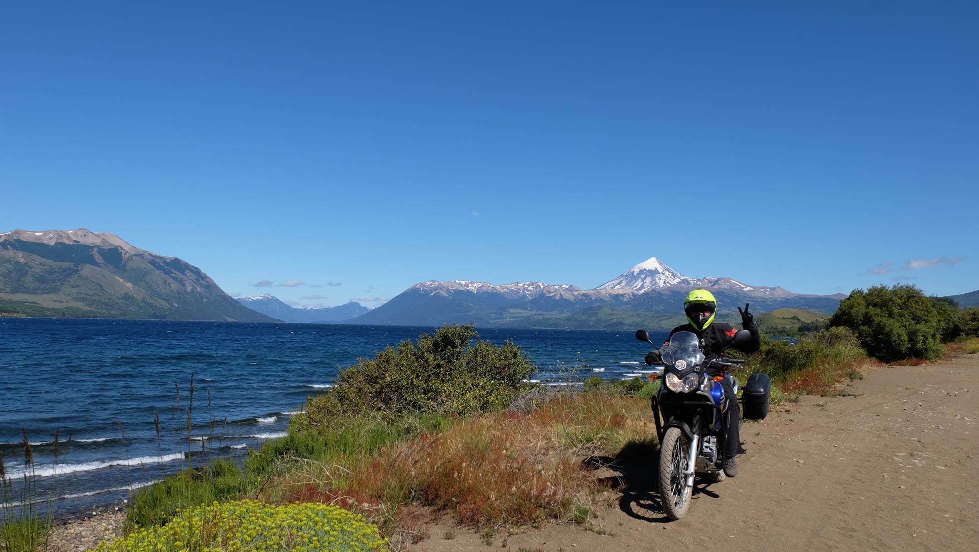 Siete lagos en moto y un volcán en la Patagonia